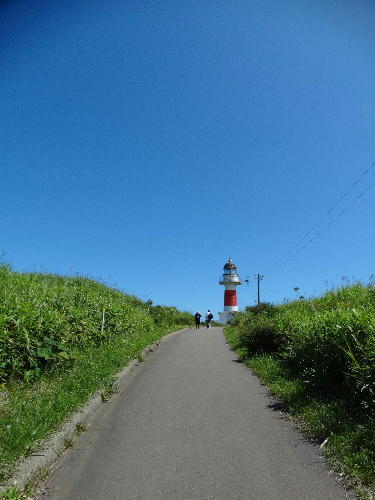夏の終わりに長い坂道を登る.JPG